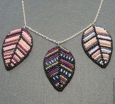 """Купить Колье """"Листопад"""" - розовый, фиолетовый, оригинальное украшение, колье из бисера, бисерное украшение"""