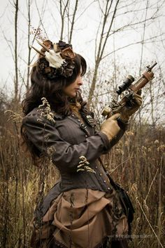Monochromatic Steampunk Style: Shades of Brown (and fascinator with animal skull)  - For costume tutorials, clothing guide, fashion inspiration photo gallery, calendar of Steampunk events, & more, visit SteampunkFashionGuide.com