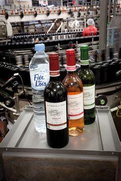 Made in 79. Par l'embouteillage de l'eau et celui du vin, Fiée des Lois agrémente les repas de familles dans le monde entier. Tous les vignobles français se donnent rendez-vous à Prahecq. 150 millions de bouteilles quittent ses lignes d'embouteillages chaque année.  BP 90022  79232 PRAHECQ CEDEX www.fdlois.fr L'abus d'alcool est dangereux pour la santé, sachez consommer avec modération