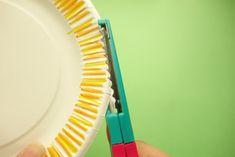 【手作りプレゼントに】紙皿が大変身★リアルなお花の作り方   季節の工作アイデア集- こうさくポケット