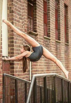 flexibility dance All for ballet and dancing Dance Picture Poses, Dance Poses, Dance Pictures, Yoga Poses, Ballet Dance Photography, Gymnastics Photography, Yoga Photography, Art Ballet, Ballet Dancers