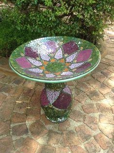 Mosaic bird bath | crafts | Pinterest