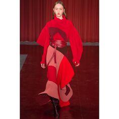 Roksanda  #VogueRussia #readytowear #rtw #fallwinter2017 #Roksanda #VogueCollections