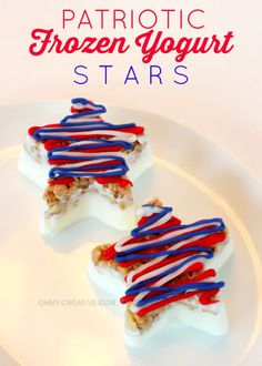 The Fourth of July is around the corner, but you can make these Patriotic Stars all summer long! These frozen yogurt stars are topped with granola and a drizzle of chocolate to make a yummy patriotic dessert - so cute! OHMY-CREATIVE.COM #fourthofjulydessert #patrioticdessert #patriotictreat #4thofjulydessert #redwhiteandbluedessert #frozenyogurtrecipe Patriotic Desserts, 4th Of July Desserts, Fourth Of July Food, Easy Desserts, Delicious Desserts, Dessert Recipes, July 4th, Birthday Desserts, Patriotic Party