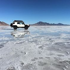 The word epic gets thrown around a lot these days, but this truly was Epic!  After camping just off the Salt Flats, I ventured out onto them the next morning and was rewarded with this amazing alien landscape. - - - - #bonnevillesaltflats #epic #getoutside #greettheoutdoors #optoutside #travelphotography #adventurephotography #fjcruiser #toyota4x4 #natgeo #nature #iphoneography #nofilter #getoutstayout #rei1440project #photoftheday #picoftheday #instagood #liveauthentic…