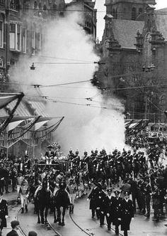 Geschiedenis 24 - Canonieke foto's Kroning Beatrix