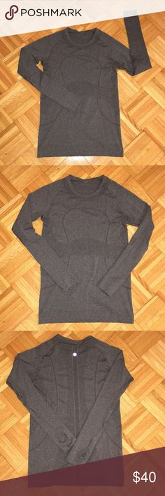 Lululemon Swiftly Tech Long Sleeve Crew Heathered Black/Dark Grey, Thumbholes, Affirmations on Inner Hem, Very Good/Excellent Condition. lululemon athletica Tops Tees - Long Sleeve