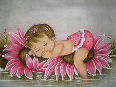 Bebe na flor