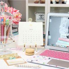26 Ideas Home Office Decor Desk Inspiration Home Office Space, Desk Space, Office Workspace, Home Office Decor, Office Ideas, Office Spaces, Office Cubicles, Office Fun, Desk Inspiration