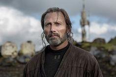 """Mads Mikkelsen: """"Si no aceptaba, me mataban mis hijos"""" El padre de Jyn en """"Rogue One"""", además demalvado en Hollywood, tiene una tradición en excelentes dramas en Dinamarca. Fuente ... http://sientemendoza.com/2016/12/28/mads-mikkelsen-si-no-aceptaba-me-mataban-mis-hijos/"""