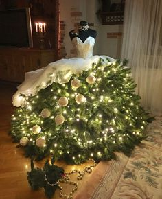 24 DIY Mannequin Christmas Tree Dress Decorations Tutorials Latest Fashion Trends for Women sumcoco. Mannequin Christmas Tree, Dress Form Christmas Tree, Real Christmas Tree, Christmas Tree Themes, Xmas Tree, Christmas Traditions, Christmas Tree Decorations, Christmas Holidays, Christmas Wreaths