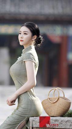 women beauty, women, woman, Women Curve: The loveliest distance between two points Pretty Asian, Beautiful Asian Women, Korean Girl Fashion, Asian Fashion, Poker Online, Sexy Asian Girls, Traditional Dresses, Asian Woman, Asian Beauty