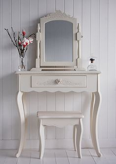 Peony Small Cream Dressing Table - The white lighthouse - £110