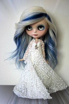 Accent me with blue! I'm too young for gray hair! Perfect compromise! :D