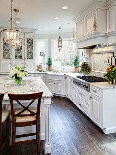 Luxury Kitchen's