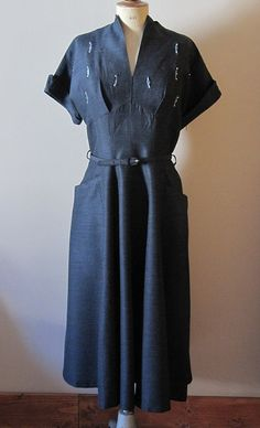 32184fdb This dress has Lorna (Meg Tilly) written all over it. 1940s Fashion Dresses