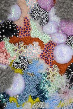 Art Fibres Textiles, Textile Fiber Art, Weaving Textiles, Textile Artists, Hand Work Embroidery, Beaded Embroidery, Embroidery Stitches, Couture Embroidery, Embroidery Fashion