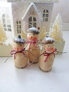 Set of Three Darling Vintage Inspired Snowmen by Carynbay on Etsy