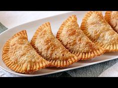 Dough of dumplings for authentic frying – Only 3 ingredients - New Site Great Recipes, Snack Recipes, Snacks, Yummy Recipes, Recipies, Paraguayan Recipe, Tapas, Aperitivos Finger Food, Empanadas Recipe