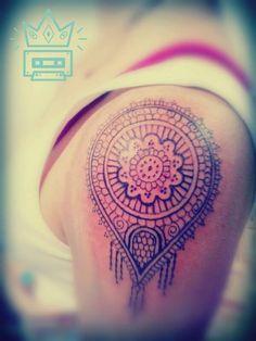 #tattoo #tatuaje #ornamental #geométrico #simetría #geometric #symmetry