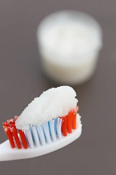 Homemade coconut oil toothpaste – Bath and Body