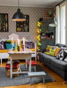 Syksy on Marin lempivuodenaika. Kotoilijan unelma on istua olohuoneen sohvannurkassa kutomassa sukkaa, poltella kynttilöitä ja nauttia teekupillisesta.