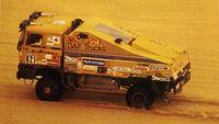 1985De DAF 'Bull', bestuurd door Jan de Rooy, wint opnieuw de Rally Parijs-Dakar in de klasse voor voertuigen met een totaal voertuiggewicht boven 10 ton.