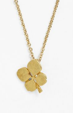 Such a cute lucky clover pendant necklace