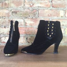 ticking heart VELVET ankle boots sz 5.5 / glamour holiday evening black & gold new wave rocker pointy toe high heel