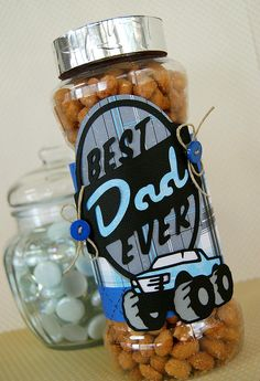 Embellish any gift for dad this Father's Day, using the Father's Day Seasonal Cricut Cartridge!
