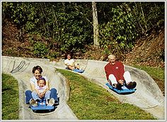 Fun things to do in Gatlinburg feature everything from an aquarium with the largest underwater tunnel and a ski resort with year-round ice skating to fascinating museums, go-cart racing and miniature golf.