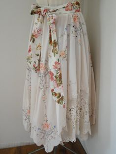 Love the idea...will have to keep an eye out for old vintage tablecloths.