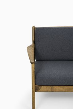 Folke Ohlsson USA-75 sofa produced by Dux at Studio Schalling