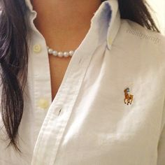 Classy girls wear pearls.  I like this look ~ don't know if I could pull it off though.