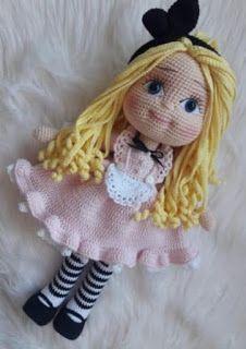 Crochet Dolls Free Patterns, Doll Patterns, Crochet Toys, Crochet Disney, Booties Crochet, Cute Dolls, Amigurumi Doll, Beautiful Crochet, Stuffed Toys Patterns