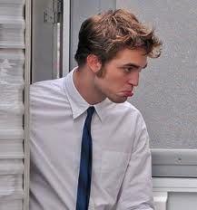 Awww no sad lip! Robert Douglas, I Robert, Sad Faces, Funny Faces, Kristen Stewart Movies, Robert Pattinson Twilight, Twilight Edward, Movie Shots, The Most Beautiful Girl