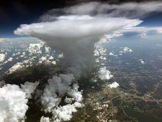 #FFabulousPic Spectaculaire vue d'un cumulonimbus depuis le ciel de Dallas dimanche ! ✈(23/07/2017) Photo @JerryRaia