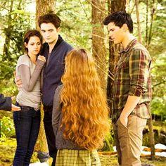 Twilight Breaking Dawn, Breaking Dawn Part 2, Twilight Renesmee, Twilight Saga, Edward Bella, Spanish Memes, Book 1, Love Story, Fandoms