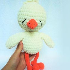 Today we suggest to crochet a honey cuddly chicken amigurumi. The height of the finished toy is approximately 30 cm. Use this amigurumi pattern for free!