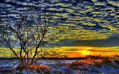 Téli napfelkelte, mező, felhő