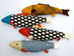 Fabric fish would make these for My Chihuahua. yes she likes kitty toys Fabric Fish, Fabric Art, Fabric Crafts, Sewing Crafts, Sewing Projects, Craft Projects, Diy Crafts, Fabric Toys, Crafts For Kids