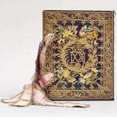 Les incontournables - Domaine de Chantilly La Vie de saint Denis, reliure brodée aux armes de Marie de Médicis