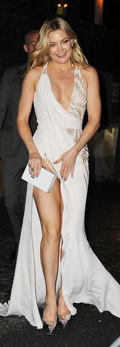 Who made  Kate Hudson's white strapless gown and silver pumps?