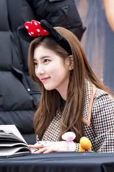 Suzy-180204 #Fansign #FacesofLove