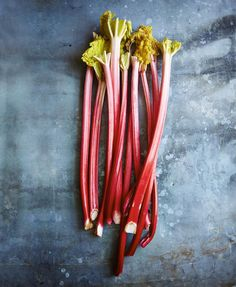 Rhubarb has an amazing flavour spectrum! There are 2 different types forced and naturally grown, in my opinion each variety tastes delicious as the other!! Look for nice firm stems and remember to chuck the inedible leaves if they are still attached. In the latest issue of @jamiemagazine I've got some epic recipes to show you how to pair up lovely rhubarb with beautiful, seasonal ingredients, both savoury and sweet! How do you guys like to cook with rhubarb?? #seasonal