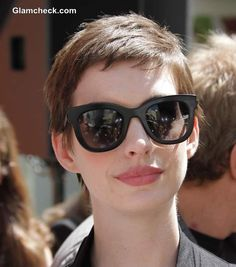 Cropped Pixie Haircut - Anne Hathaway (for when my hair grows out) Anne Hathaway, Pixie Hairstyles, Pixie Haircut, Cute Hairstyles, Haircuts, Short Pixie, Short Hair Cuts, Short Hair Styles, Pixie Cuts