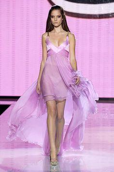 Versace Spring 2007 Ready-to-Wear Fashion Show - Tanya Dziahileva