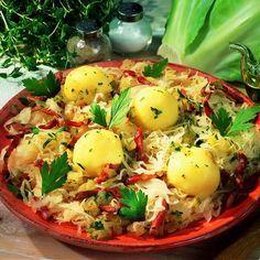 Burgonyagombóc szalonnás káposztával Recept képpel -   Mindmegette.hu - Receptek Hungarian Recipes, Hungarian Food, Potato Salad, Side Dishes, Potatoes, Eggs, Vegetables, Cooking, Breakfast
