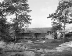 Explore the ancestry of the family and gather images of [Buckman Tavern, Lexington, Massachusetts] at AncientFaces. View [Buckman Tavern, Lexington, Massachusetts] photos and more history images and genealogy at AncientFaces. Lexington Massachusetts, Glen Cove, Quonset Hut, Old Florida, Tallahassee Florida, Residential Architect, Horse Property, France, Horse Farms