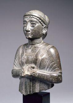 statuette feminine princesse de gudea & lagash 2120bc